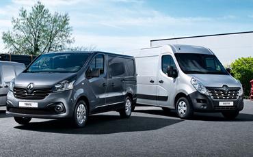 Två Renault transportbilar, Trafic och Master